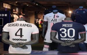 Baju Sergio Ramos dan Lionel Messi © instagram (@sergioramos)