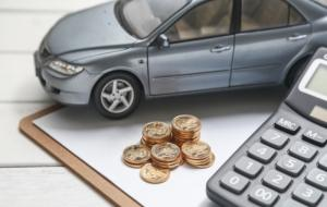 Ilustrasi keuangan saat hendak membeli mobil. © freepik.com