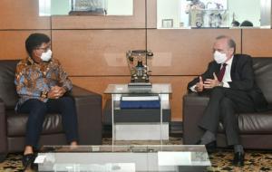 Menteri Komunikasi dan Informatika, Johnny G. Plate, bertemu dengan Dubes Prancis, Olivier Chambard, di kantor Kementerian Kominfo, Jakarta © dok.Kominfo/AYH