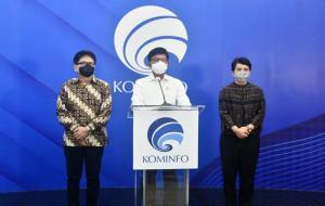 Menteri Komunikasi dan Informatika, Johnny G. Plate (tengah) © dok.Kominfo