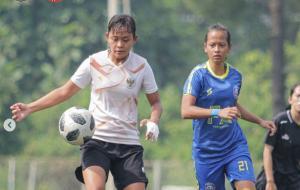 Timnas Wanita Indonesia dalam laga uji coba kontra PON Jawa Barat sebagai persiapan untuk Kualifikasi Piala Asia Wanita di Tajikistan © Instagram.com/pssi